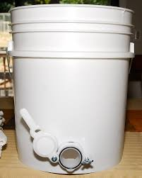 Honey Bucket | 9Hives Beekeeping & Beehive Equipment Okanagan